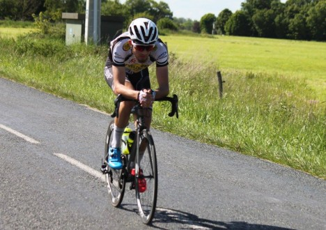 Dimanche au championnat départemental FSGT qui se déroulait au Plantay, Baptiste Chardon a réussi un numéro exceptionnel pour remporter le titre en catégorie 1 et 2. En effet, il est […]