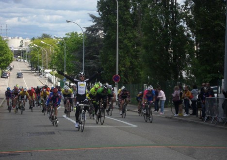Les coureurs du SDC ont brillé ce week-end avec une belle victoire au sprint pour Philippe Vanderbiest à Vénissieux et quelques places d'honneur pour Valentin Sibelle et Michael Charrin. 01/05, […]