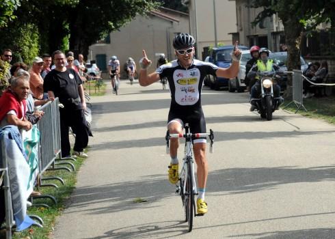 La fin de saison approche, mais les coureurs du SDC continuent d'accumuler les victoires. 15/08, Prix de Cormoz (Pass'Cyclisme) : Belle 2ème place pour Valentin Sibelle, qui a su prendre […]