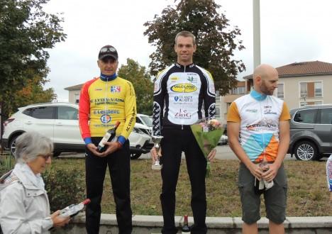 07/10, Prix de St Rémy (Pass'Cyclisme) : Très belle victoire d'Arnaud Deleersnyder ce dimanche à St Rémy où il s'impose de très belle façon en solitaire dans l'épreuve des D1/D2. […]