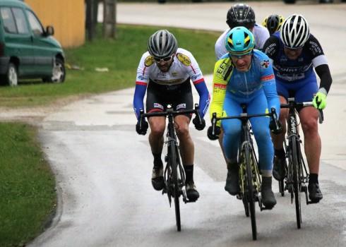 Les coureurs du SDC reprenaient la compétition sur route ce week-end et à cette occasion ils inauguraient leur nouveau maillot. Samedi 09/03, Prix de Dommartin (FSGT) : En catégorie 1 […]